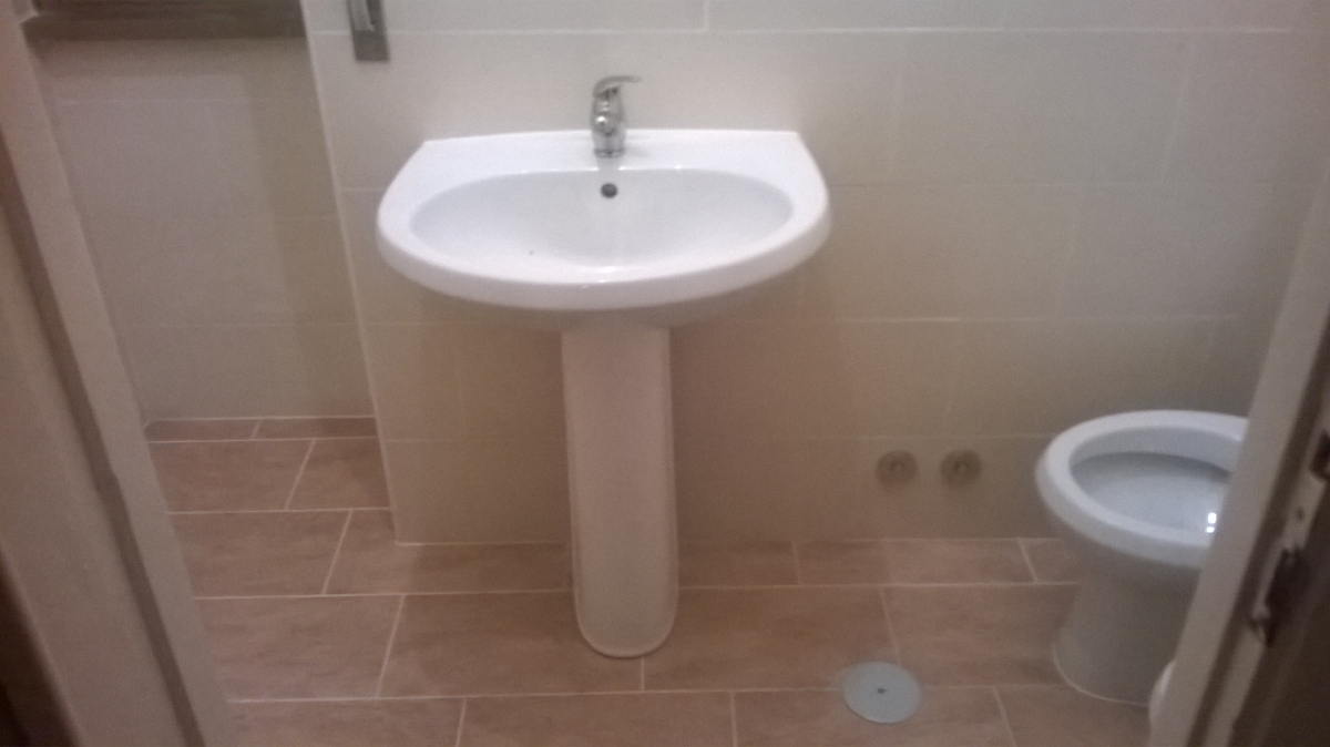 RISTRUTTURAZIONE BAGNI - Ristrutturazioni bagni appartamenti : ristrutturazione bagno completo : Ristrutturazione Bagno